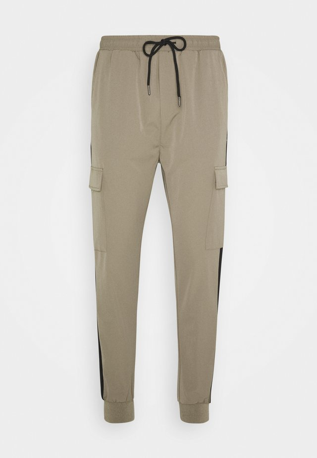 OLIVER PANTS - Cargo trousers - army