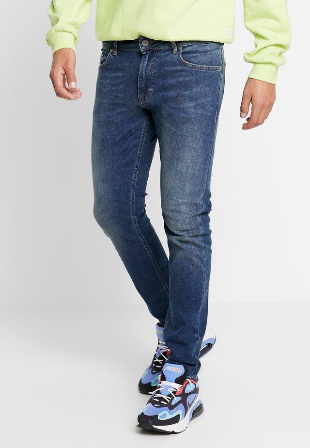JEFF JULIUS  - Slim fit jeans - julius blue