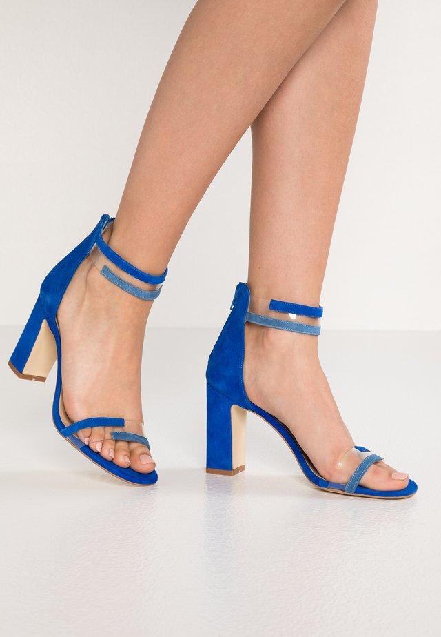 VINYLE - Sandales à talons hauts - blue