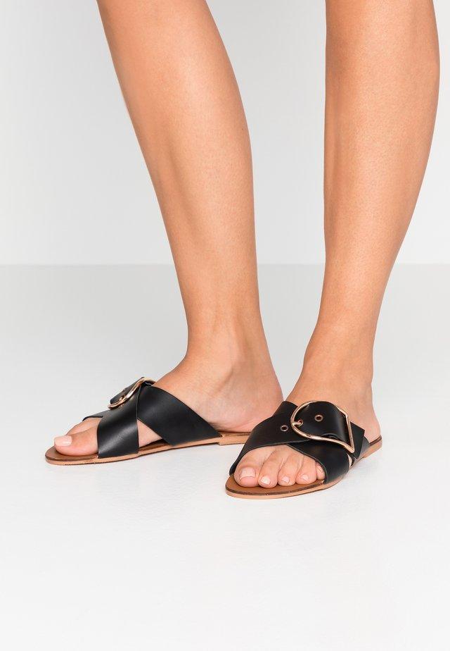 JASMINE - Pantolette flach - black