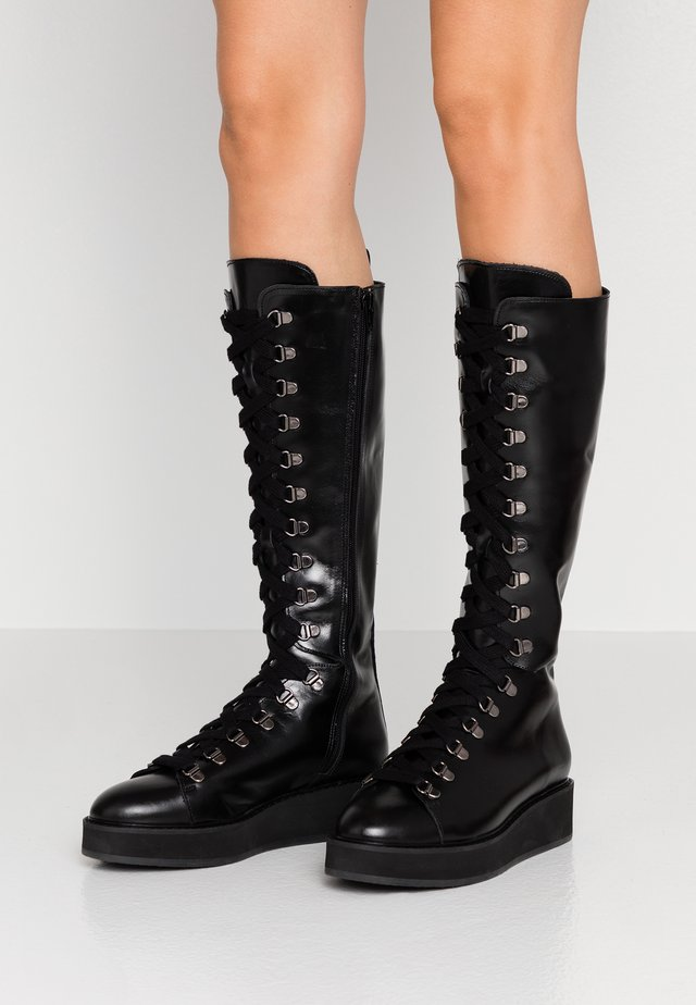 AVOLI - Platåstøvler - noir