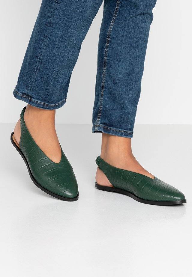 APIO - Slingback ballet pumps - vert