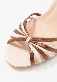 Jonak - VINTO - Sandales à talons hauts - beige/bronze - 2