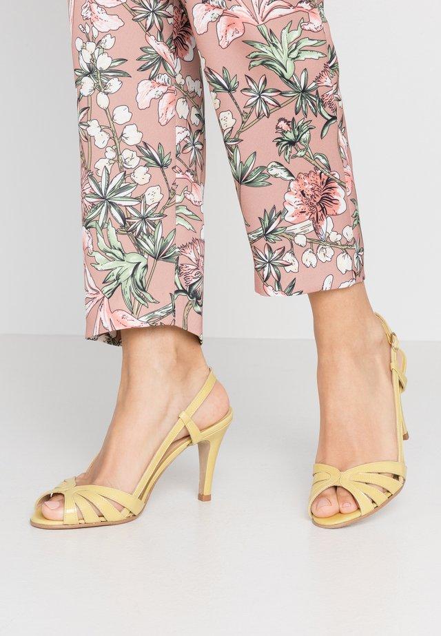 ANDES - Korolliset sandaalit - jaune