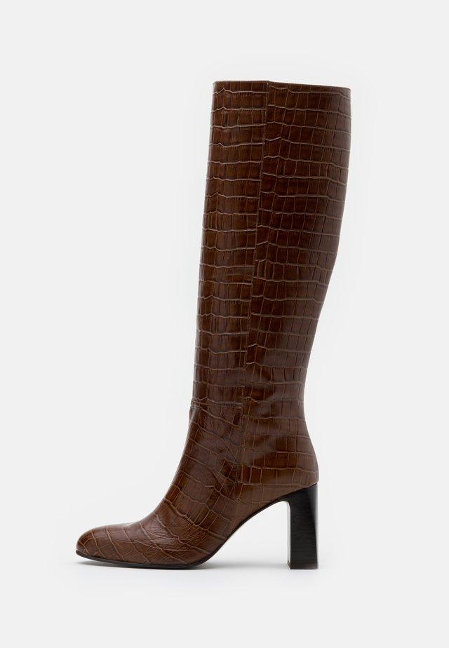 DEBANUM - Klassiska stövlar - marron