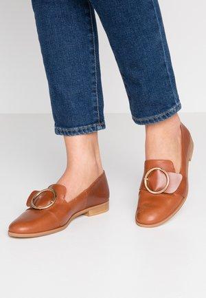 AHORA - Nazouvací boty - cognac