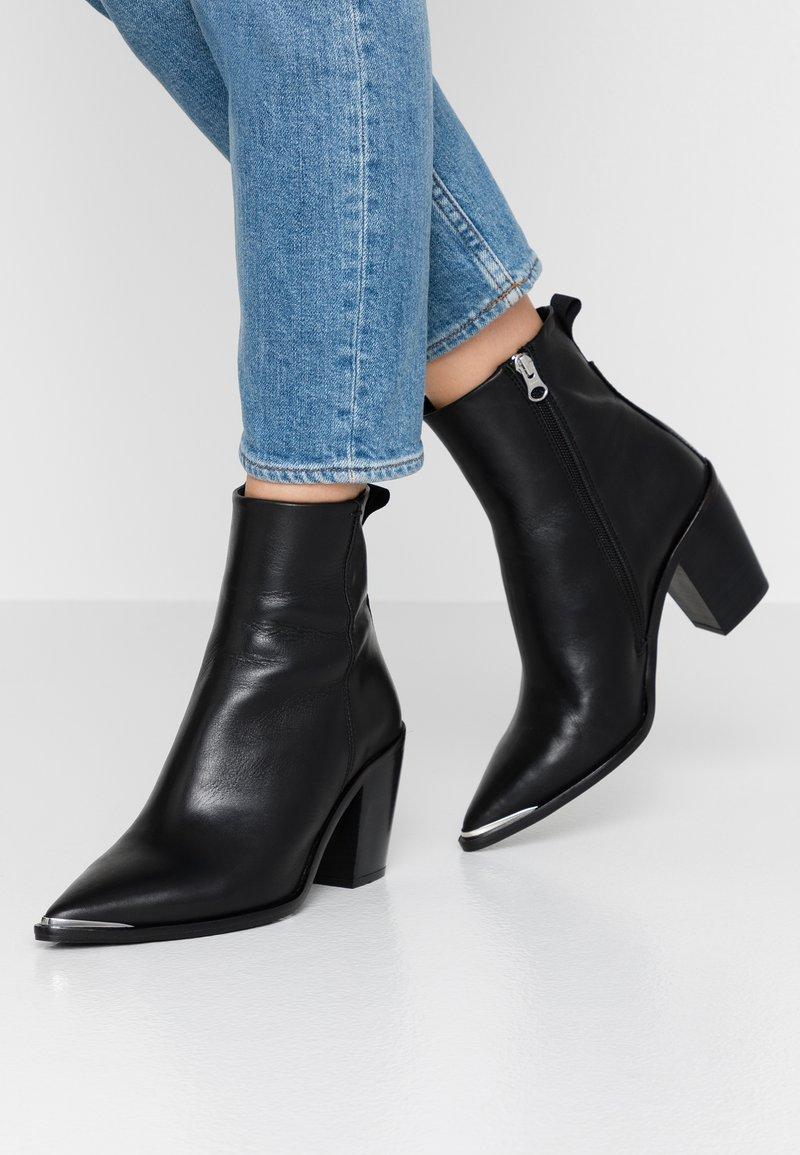 Jonak - Classic ankle boots - noir