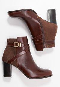 Jonak - DURWIN - Boots à talons - marron - 3