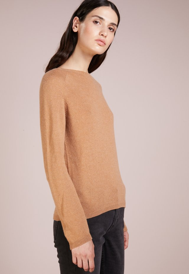 SPORTY CREW - Jumper - camel