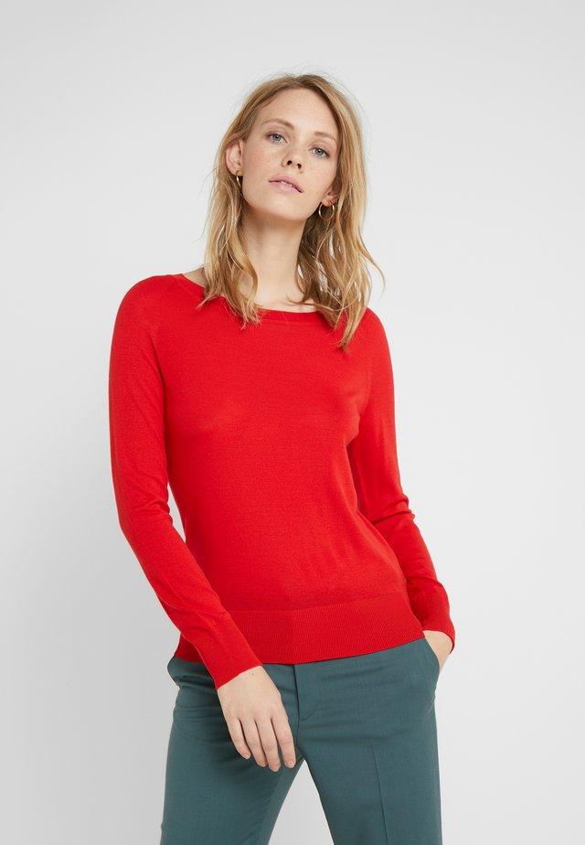 MARIA BALLET NACK - Stickad tröja - mondiran red