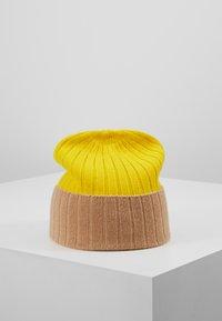 Johnstons of Elgin - Bonnet - baby camel/bright yellow - 2