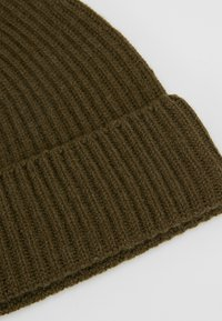 Johnstons of Elgin - CASHMERE BEANIE - Muts - dark olive - 5