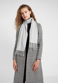 Johnstons of Elgin - CASHMERE SCARF - Sjaal - silver - 1