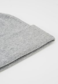 Johnstons of Elgin - CASHMERE BEANIE - Muts - silver - 5