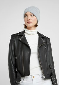 Johnstons of Elgin - CASHMERE BEANIE - Muts - silver - 3
