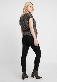 JoJo Maman Bébé - SUPERSTRETCH - Jeans Skinny Fit - black - 2
