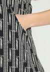 JoJo Maman Bébé - LINE PRINT DRESS - Jerseykjoler - black