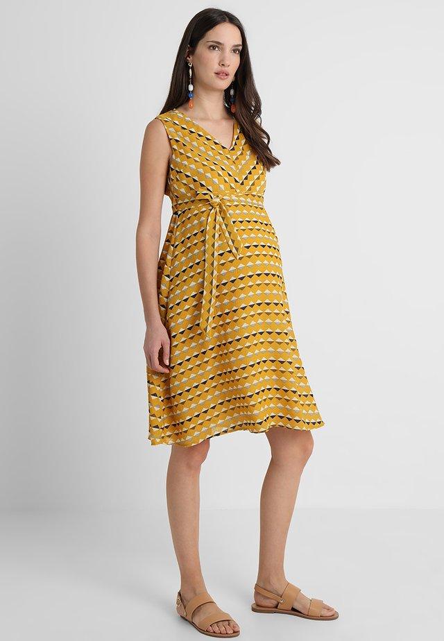 V NECK SUN DRESS - Vapaa-ajan mekko - yellow
