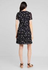 JoJo Maman Bébé - DITSY TEA DRESS - Sukienka letnia - black - 2