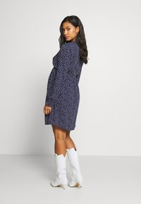 JoJo Maman Bébé - SPOT SHIRRING DRESS - Sukienka z dżerseju - navy - 2