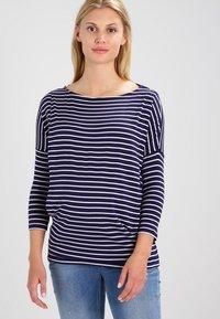 JoJo Maman Bébé - DROP SHOULDER MATERNITY NURSING - Langærmede T-shirts - navy/ecru - 0