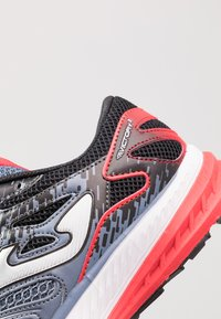 Joma - VICTORY - Chaussures de running neutres - grey/red - 5
