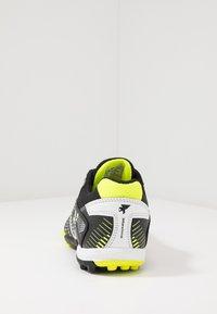 Joma - MAXIMA - Fodboldstøvler m/ multi knobber - black - 3