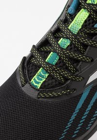Joma - TITANIUM - Zapatillas de running neutras - black - 5