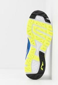 Joma - SPEED - Obuwie do biegania treningowe - blue - 4