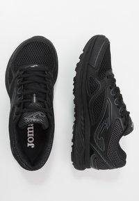 Joma - VITALY - Obuwie do biegania treningowe - black - 1