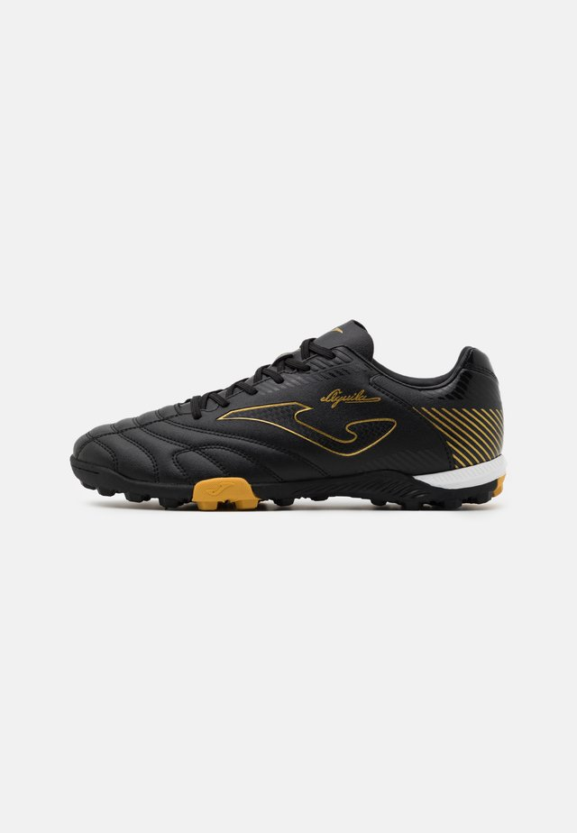 AGUILA - Fußballschuh Multinocken - black/gold