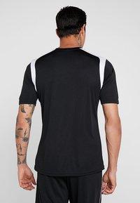 Joma - CHAMPION - T-shirt imprimé - black/white - 2