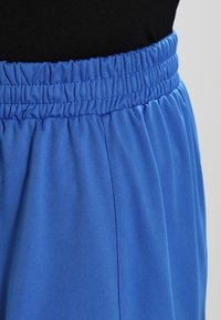 Joma - NOBEL - Short de sport - royal - 3
