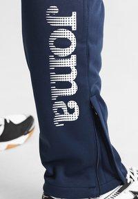Joma - NILO - Pantalon de survêtement - navy - 4