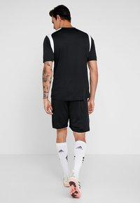 Joma - LIGA - Korte broeken - black/white - 2