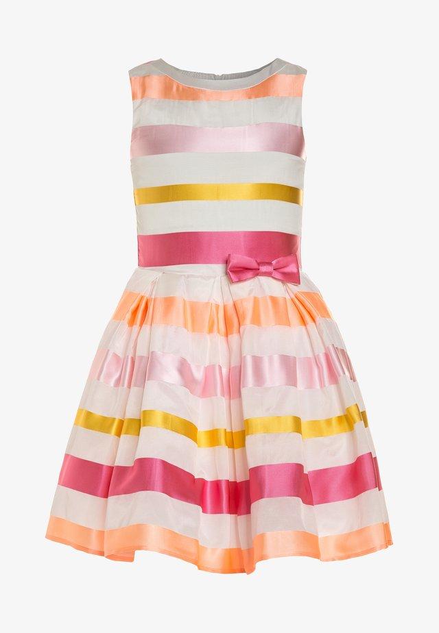 SALUTA - Sukienka koktajlowa - offwhite