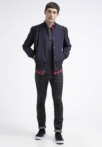 James Perse - CREW LIGHTWEIGHT - T-shirt basic - carbon - 1