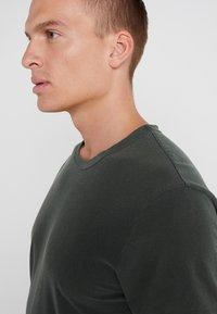 James Perse - CREW - Basic T-shirt - marsh - 7