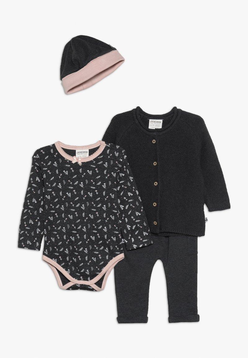 Jacky Baby - WELCOME GIRLS PLUS GIFTING BAG v - Bonnet - grau