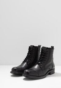 Jack & Jones - JFWRUSSEL - Bottines à lacets - anthracite - 2