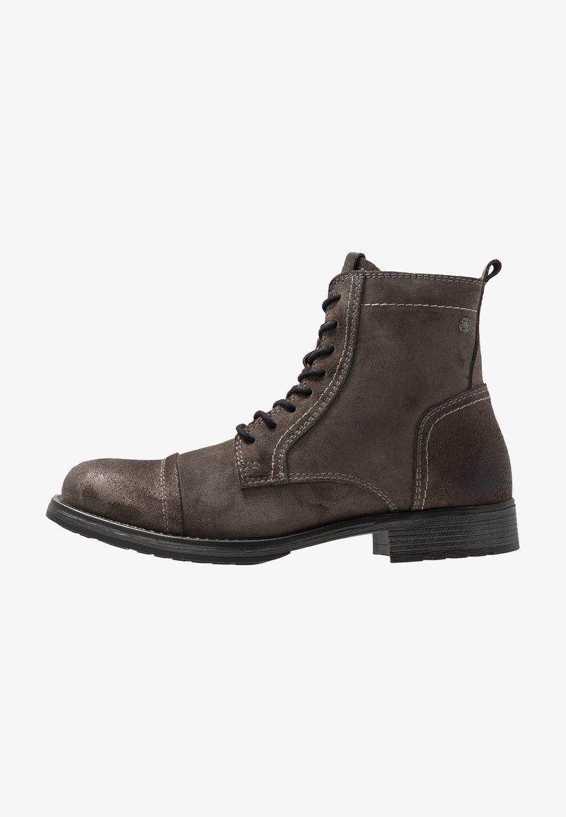 Jack & Jones - JFWRUSSEL - Šněrovací kotníkové boty - pirate black