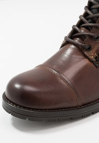 Jack & Jones - JFWMARSHALL - Lace-up ankle boots - cognac - 5