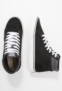 Jack & Jones - JFWDIXIE MID - Zapatillas altas - black - 1