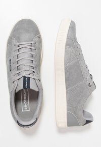 Jack & Jones - JFWOLLY - Sneakersy niskie - silver sconce - 1