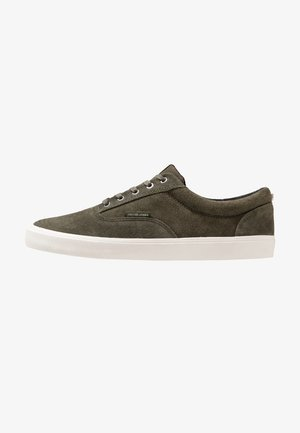 JFWVISION - Trainers - olive night