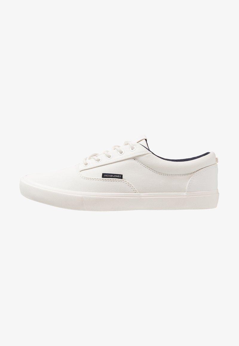 Jack & Jones - JFWVISION CLASSIC - Sneakersy niskie - bright white