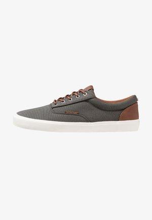 JFWVISION CLASSIC - Sneaker low - beluga