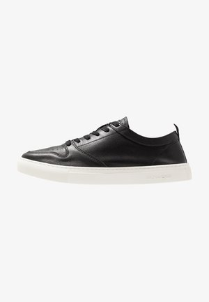JFWZOLAR - Trainers - black