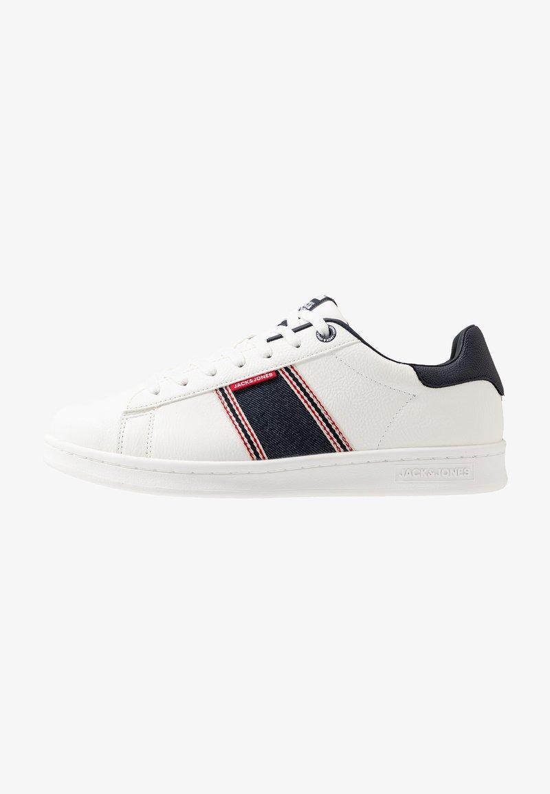 Jack & Jones - JFWBANNA SPECIAL - Sneakersy niskie - white