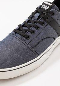 Jack & Jones - JFWCALI - Sneakersy niskie - blue - 5